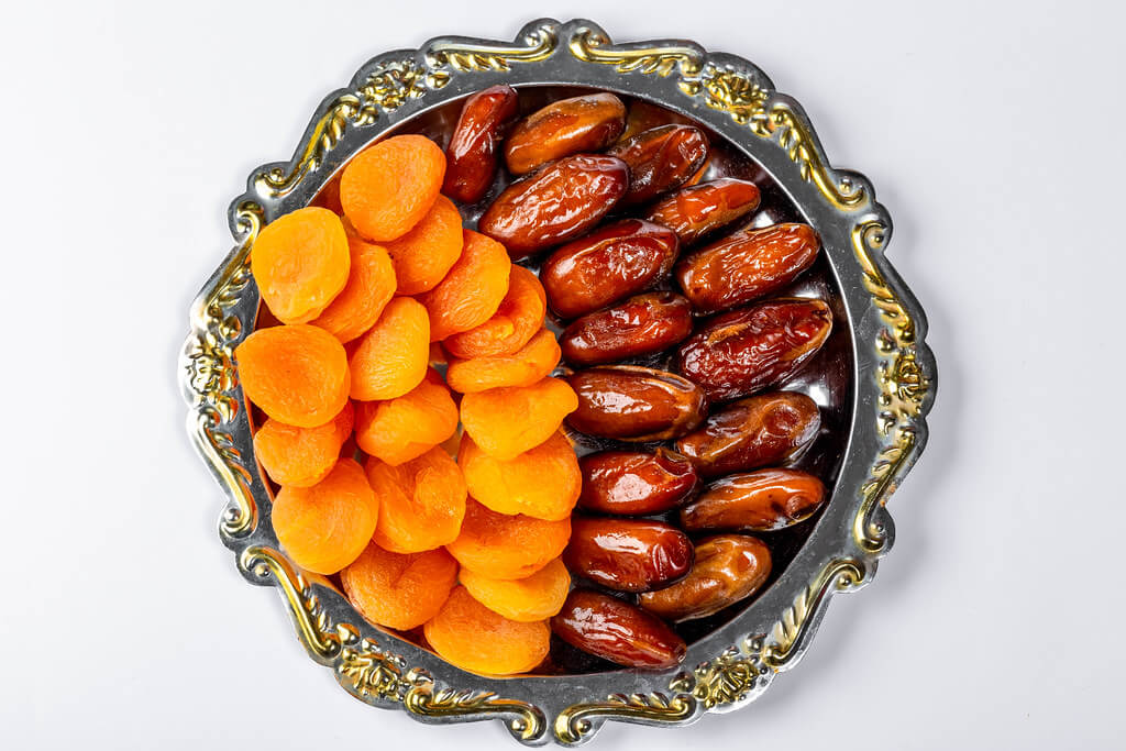 Dates give relief in various problems along with constipation